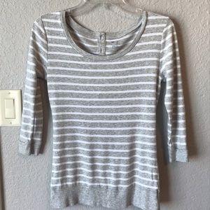 3/4 length gray striped soft spun Gap top size s